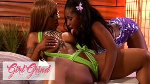 Girl Grind – Ebony Babes Lori Alexia And Melodee Bliss Get Down And Dirty With A Double Ended Dildo